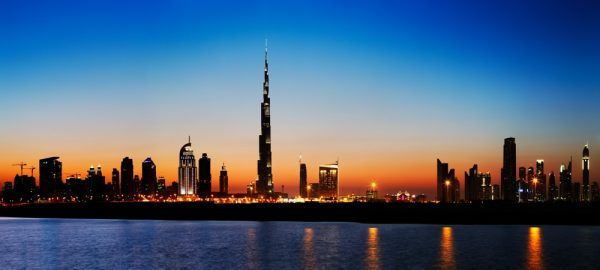 Skyline de Dubai et Burj Khalifa de nuit