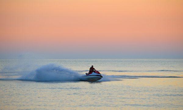 Réserver une location de jet ski à Dubai