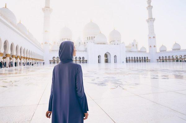 Visite de la mosquée d'Abu Dhabi : tenue vestimentaire